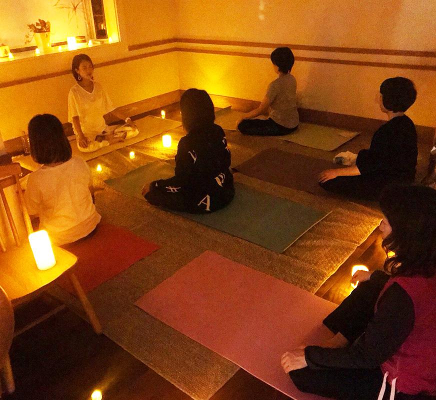 新月ヨガとカラーセラピー診断のヨガイベント@中野新橋
